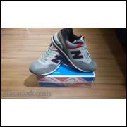 New Balance 574 Cinza/Preto/Vermelho